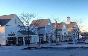 Planning Board Endorses Loosening Hills Shopping Center Zoning Rules [Update]