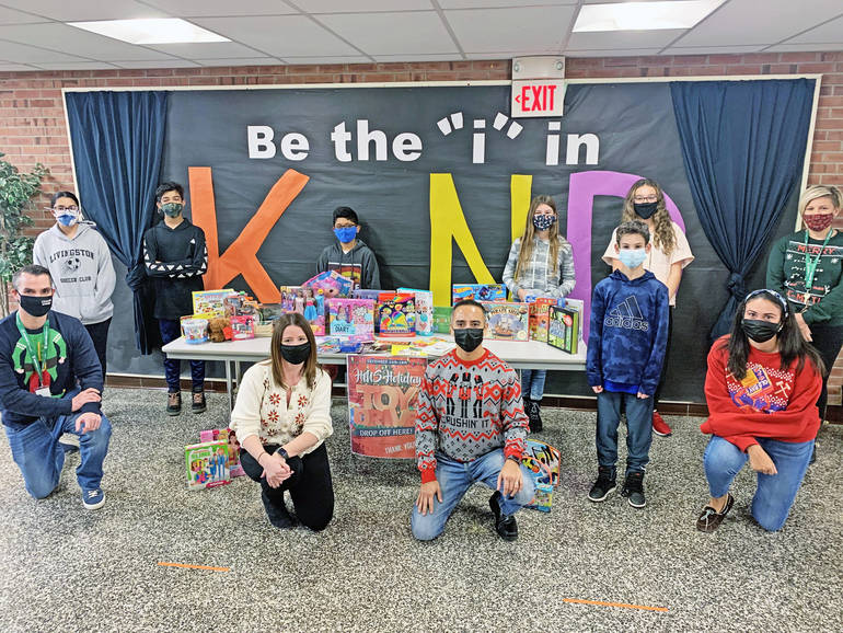 Heritage Middle School Student Council and Builders Club Host Winter Break Toy Drive