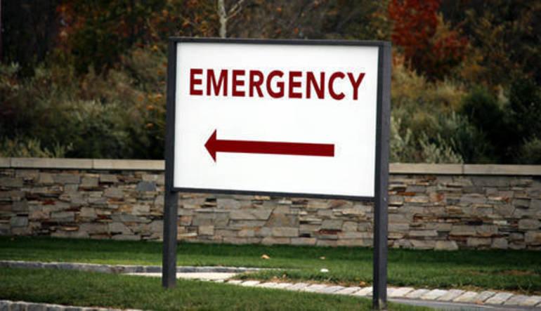hospital-emergency-sign-520.jpg