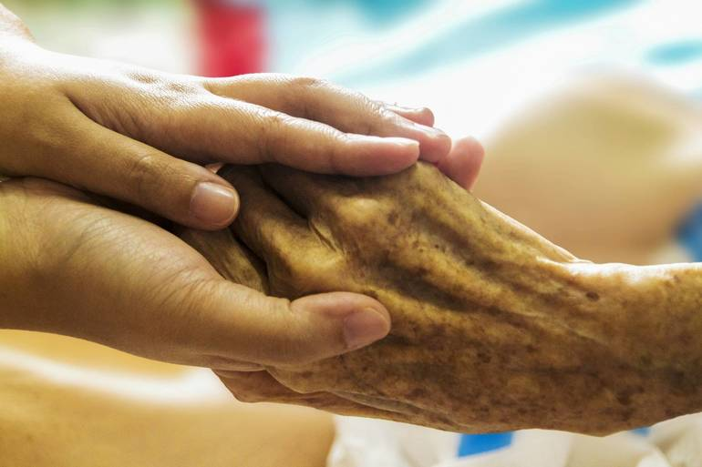 hospice-1793998_1920.jpg