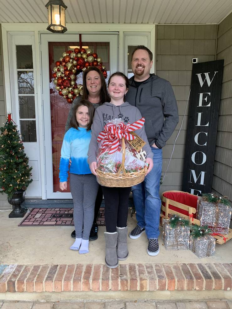 Mallard Drive House Wins Annual Holiday Lights Contest