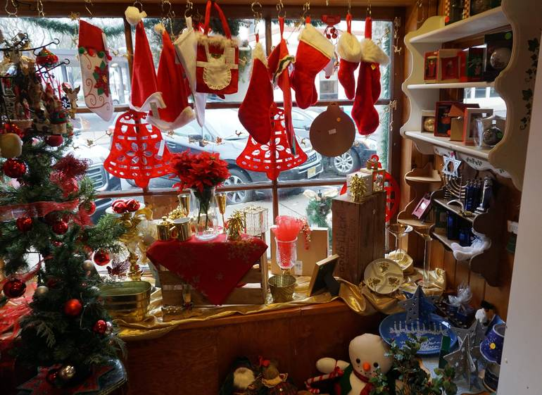 Hope Chest holiday window