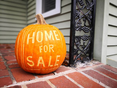 Top story 1513cb43535f65cd2d84 home for sale fall pumpkin