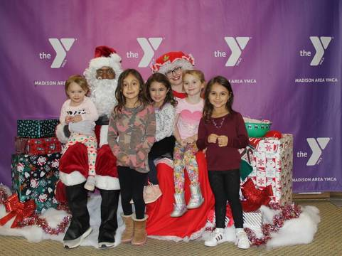 Top story f60ac9573fdd34484a85 holiday hoopla 2018