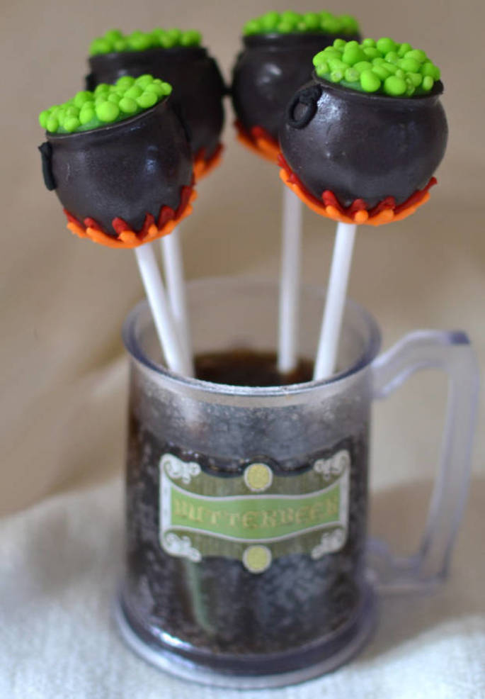 HPotter-cauldroncakepops.jpg