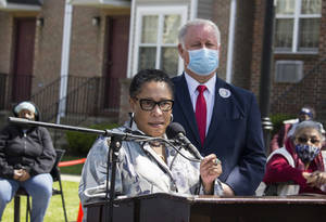 HUD Secretary Visits Newark, Determined to Increase Vaccine Response