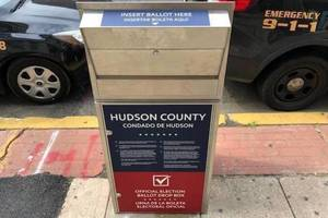 Carousel image 6c5a3b81b8d17f2f1673 hudco ballot box
