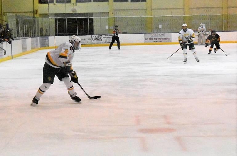 Ice Hockey 03022020.02.JPG