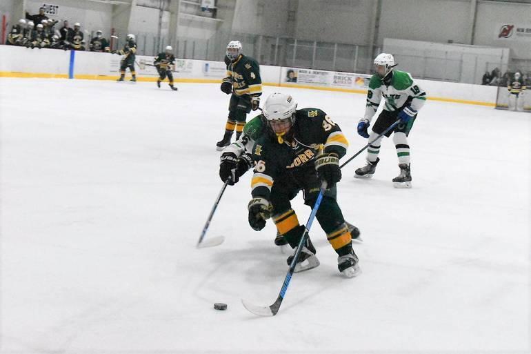 Ice Hockey 12132019.04.JPG