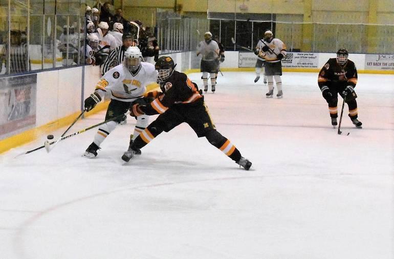 Ice Hockey  02132020.02.JPG