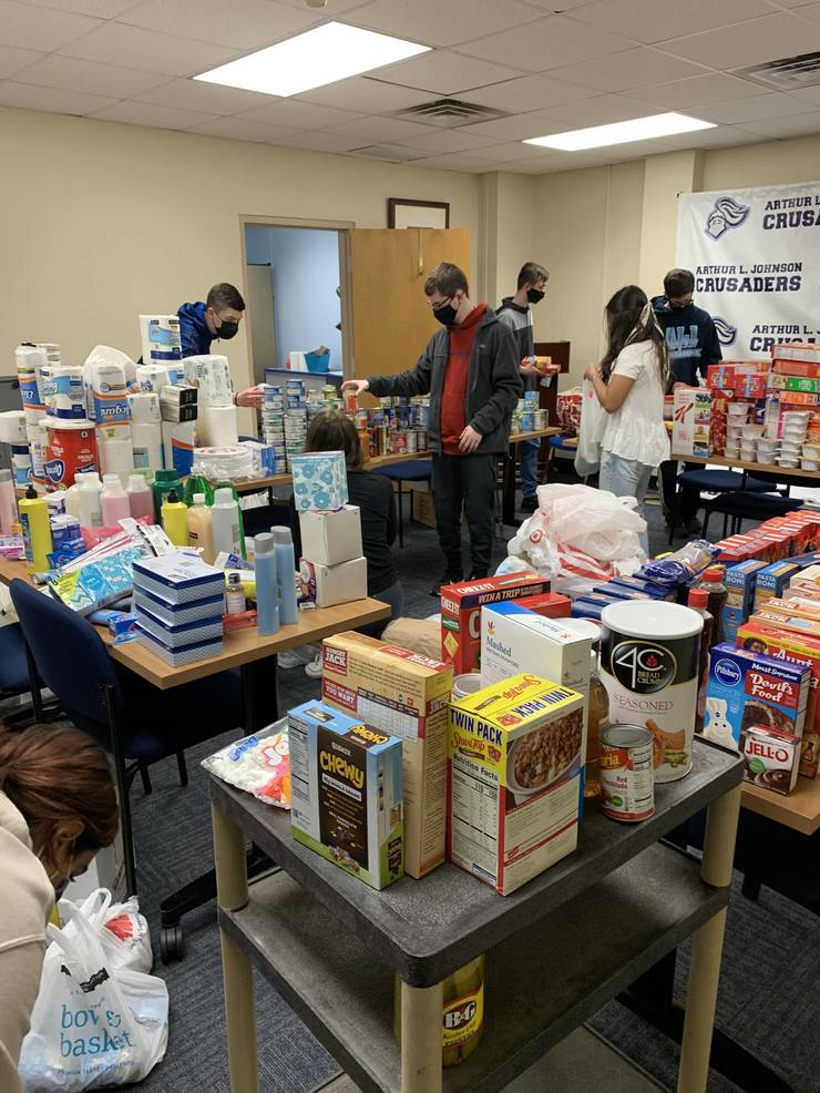 ALJ Students Donate over 2K+  Items  to Clark Food Pantries