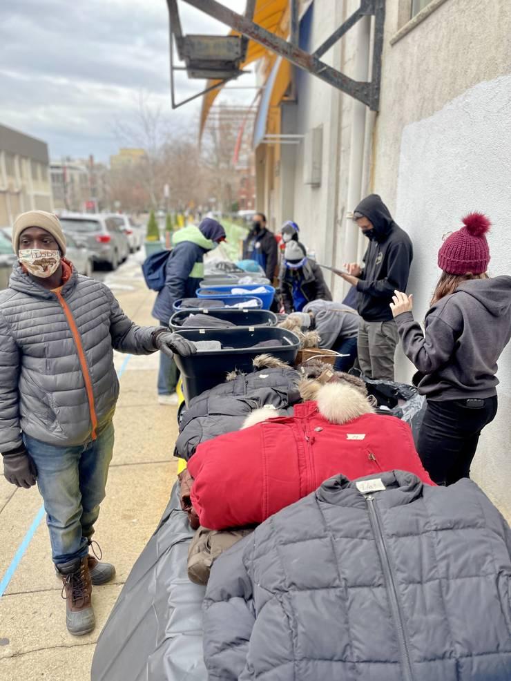 Livingston Freshmen Procure Masks and Sanitizer for Local Homeless Population
