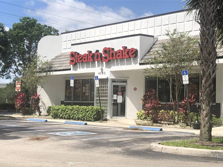 Coral Springs Fast Food Manager Fired For Not Wearing Mask And Gloves