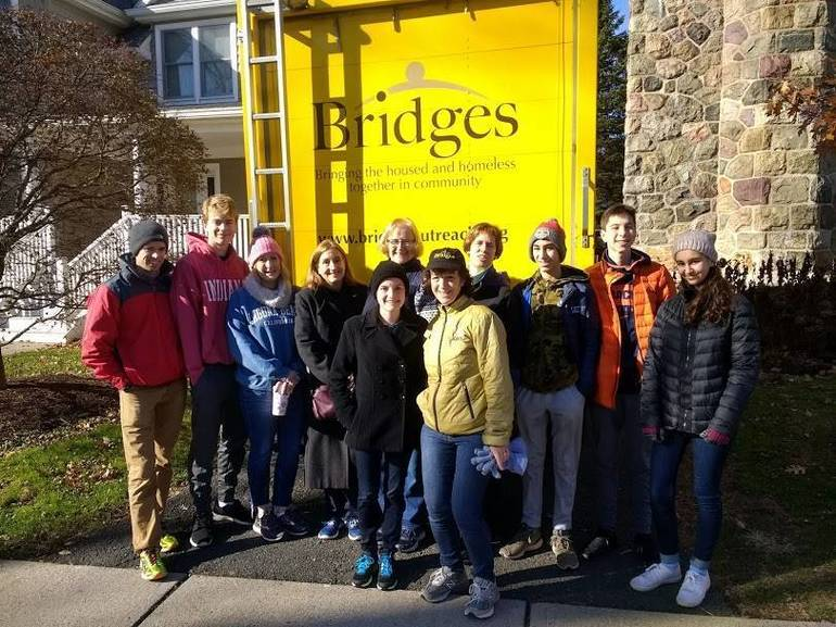 Bridges Outreach Volunteer Crew