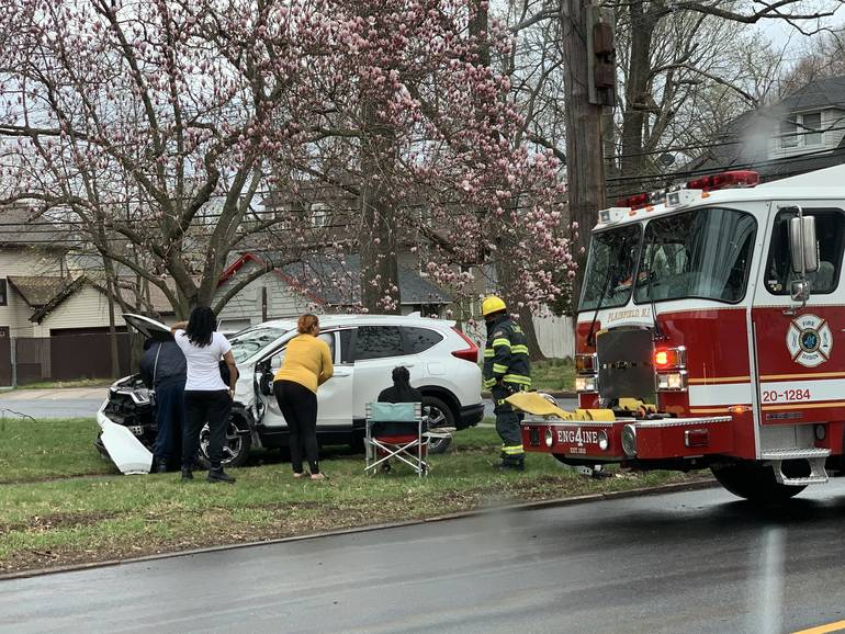 Crash at Intersection of E. 7th and Leland Ave in Plainfield