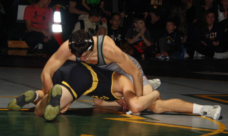 Montville wrestling repeats as sectional champions
