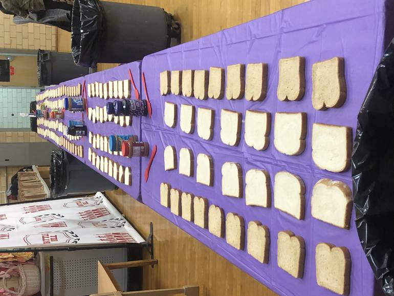 "Battle Hill School Students Make PB&J Sandwiches for ""Be the Change"""