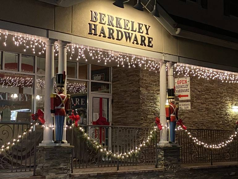 Berkeley Heights Business & Civic 4th Annual Battle of the Bulbs Contest Winners Announced
