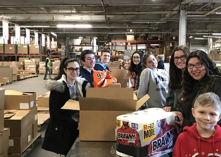 Gov. Livingston Interact Club Helps Local FoodBank
