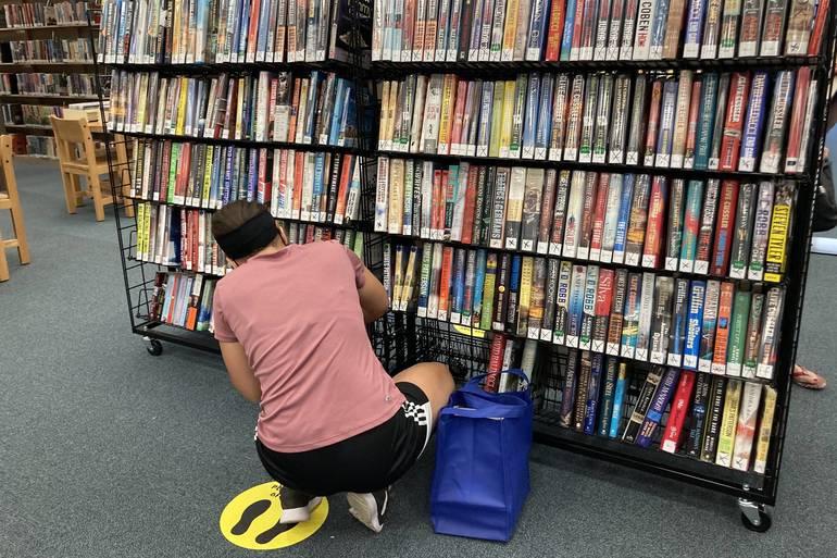 Roxbury Public Library Pop Up Booksale!