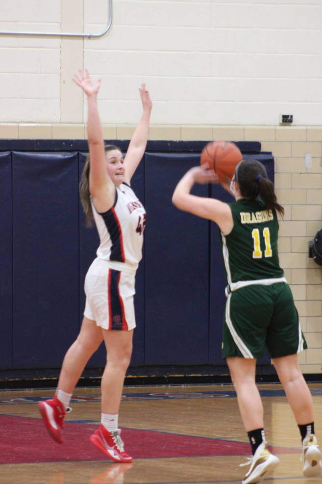 Girls Basketball: Lady Highlanders Win Third Straight; Ciccimarra, Freer Help Key 46-25 Victory Over Kent Place