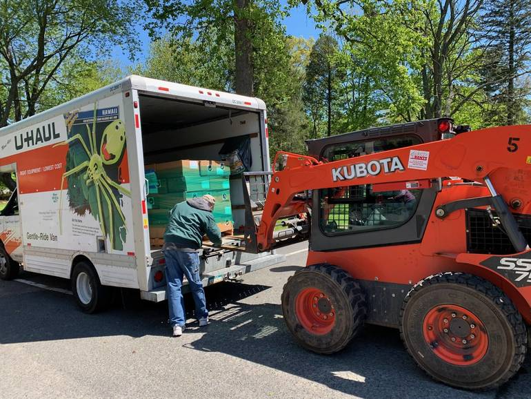 Non-Profits Come Together to Feed Those in Need in Plainfield