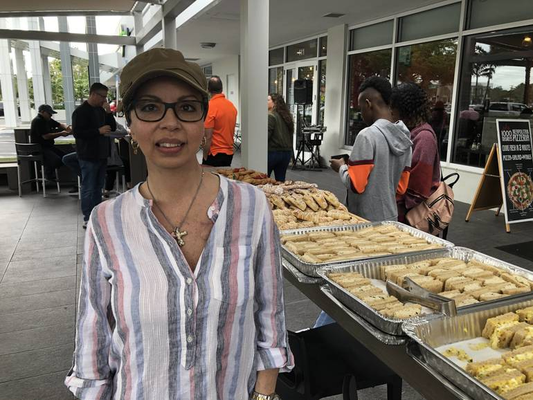 Dozens Show Up in Coral Springs for Fundraiser For Woman With Breast Cancer