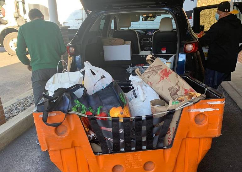 Valley View Elementary in Montville Donates 543 Poundsof Food in Time for Thanksgiving