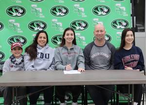 South Plainfield High School Student Amanda Yuill to Play Soccer at Fairleigh Dickinson University