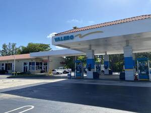 The existing Valero gas station will be replaced with a new 7-Eleven store on the southwest corner of University Drive and Wiles Road in Coral Springs.