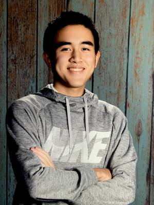 Holmdel High School Senior Bill Zhang advocates to raise awareness for Alzheimer's disease, public policy issues and critical research funding.