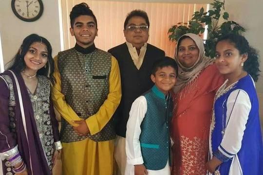 Top story 4d460844dfeca398a423 imran family photo  1