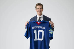 Former Giants QB Manning New Spokesperson for Investors Bank