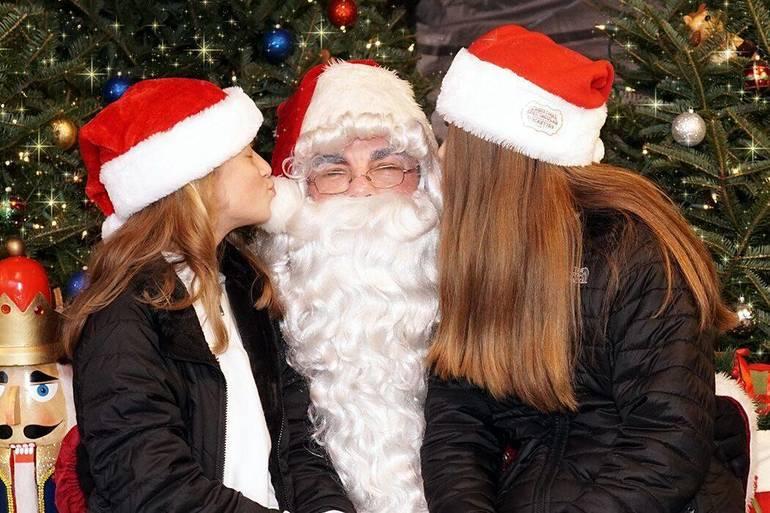 Santa visits Station Park