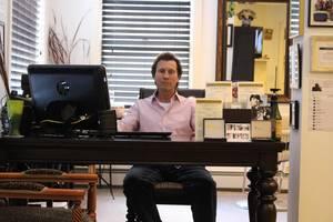 Carousel image 512c818706e8f1fd3f80 jastrabek at desk