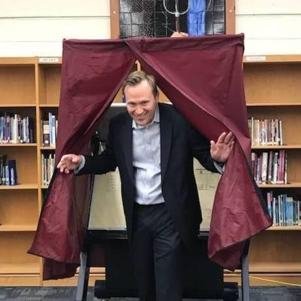 Jeff Martin voting.jpg