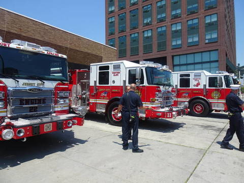 Top story 793146c5545909127bfb jersey city fire truck
