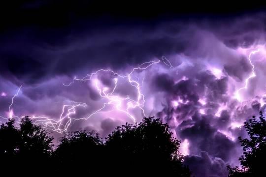 Top story a6e3b10a6b39a13fde79 jeremy thomas thunderstorm