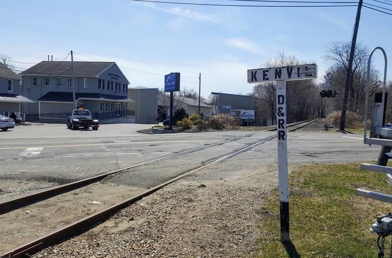 Kenvl Crossing in Roxbury.jpg