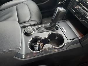 Carousel image 1f6b7f27ec22e05dd123 key fob in car