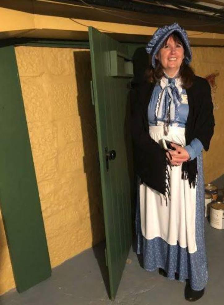 KIngsland Manor Colonial Day 2018 v.JPG