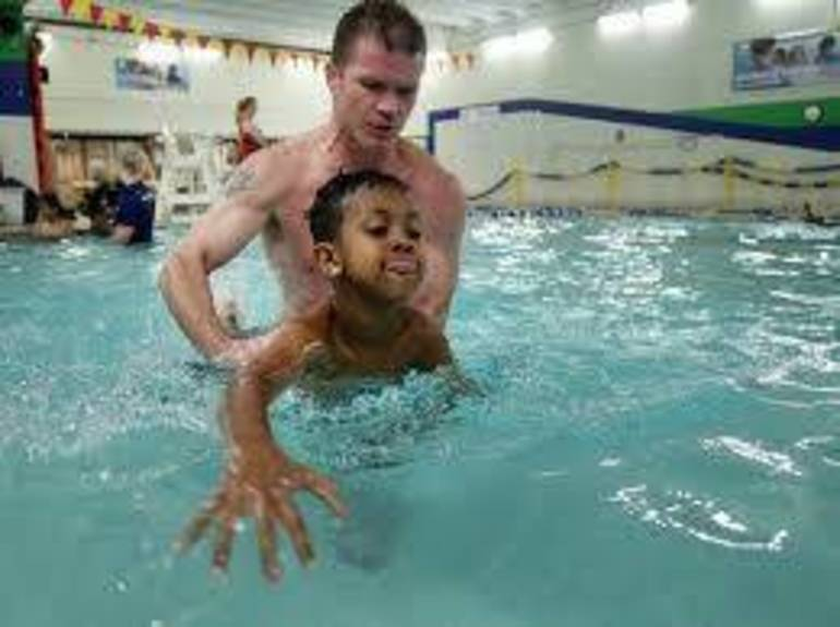 kid swim1.jpg