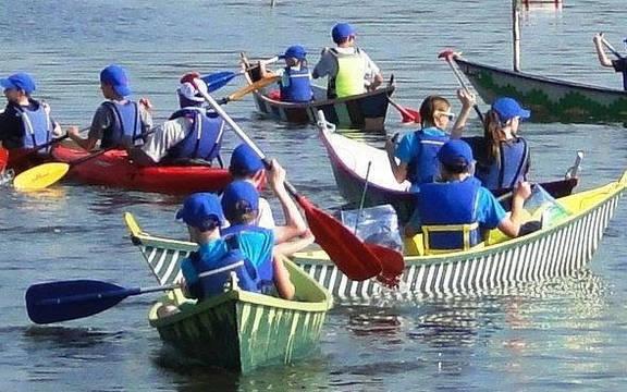 Top story 3cd02d2190d5bdad749f kids canoe 1