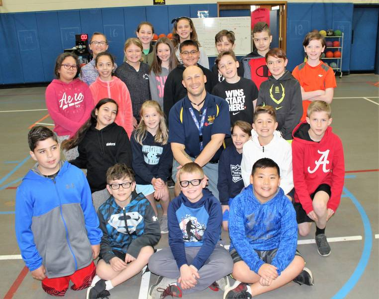 Lakeview 5th graders and Donn Tobin_.jpg