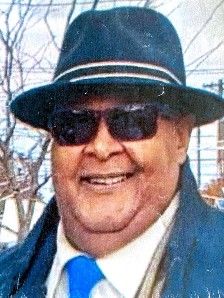 Lamont D.png