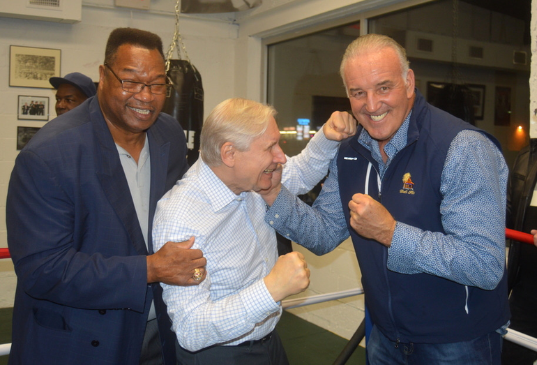 Larry Holmes has Mayor Al Smith's back as he boxes Gerry Cooney.png