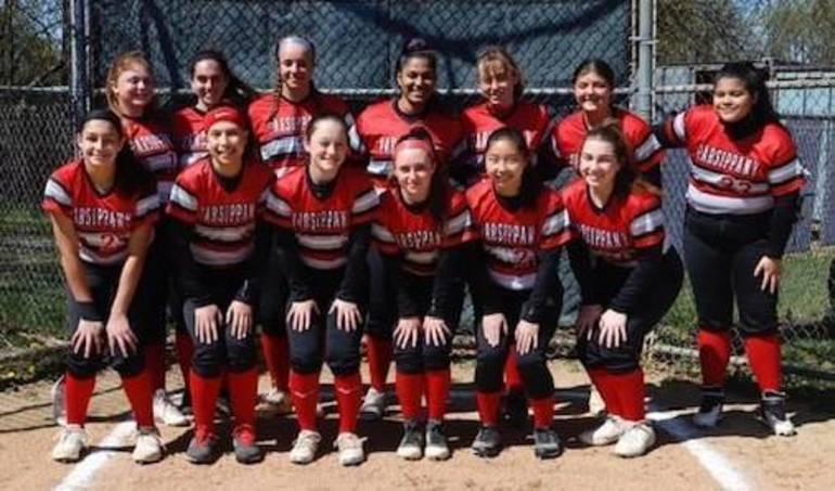 Best crop b16cf17b975102939325 lady redhawks