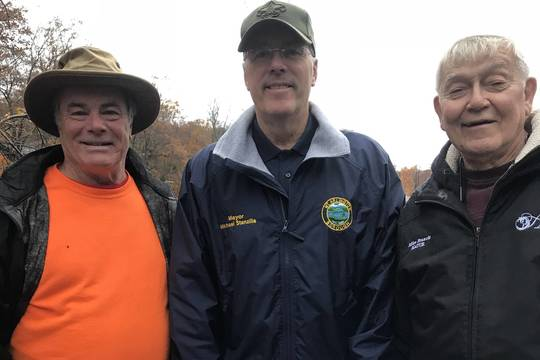 Top story c7d7f1928f67ec5586e2  left to right  roxbury mayor mark crowley  mt. arlington mayor mike stanzilis and hopatcong mayor mike francis rolling up their sleeves for the lake wide cleanup.