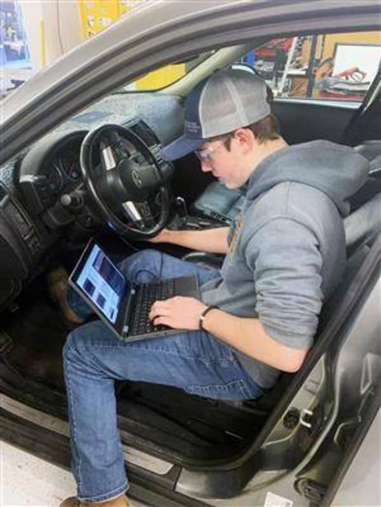 LHS Auto.jpg