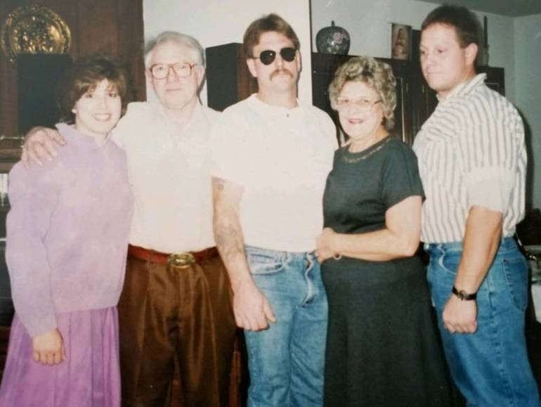 Linda, Bob Sr., Bob Jr, Marge and Gary 1994.jpg